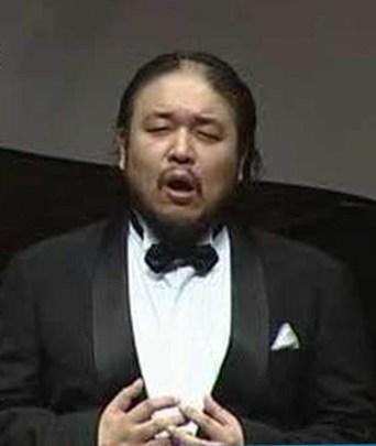 Hitoshi Kasai, baritono.jpg