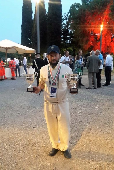 Claudio Scapinello con i trofei