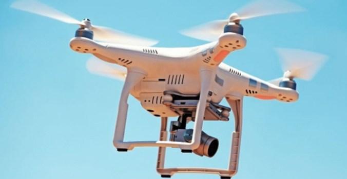 DRONE IN VOLO.jpg