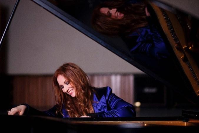 Judith Owen AL PIANOFORTE.jpg