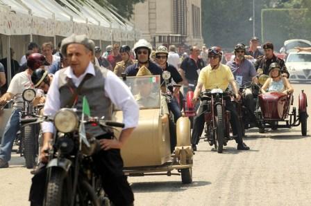 Gruppo motociclisti