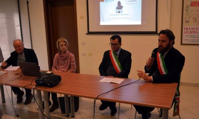 da dx - il sindaco di Marcaria Carlo Alberto Malatesta, il sindaco di Curtatone Carlo Bottani, Silvana Luppi e Nanni Rossi