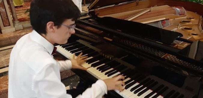 GIORGIO COLLEONI AL PIANOFORTE