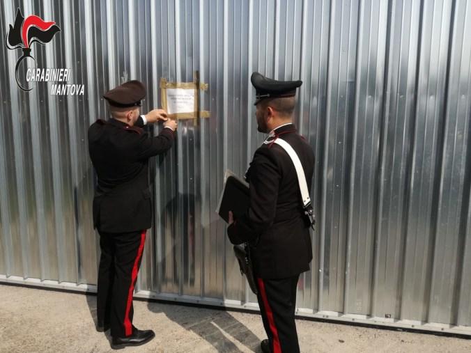carabinieri castel goffredo chiuso laboratorio di calze