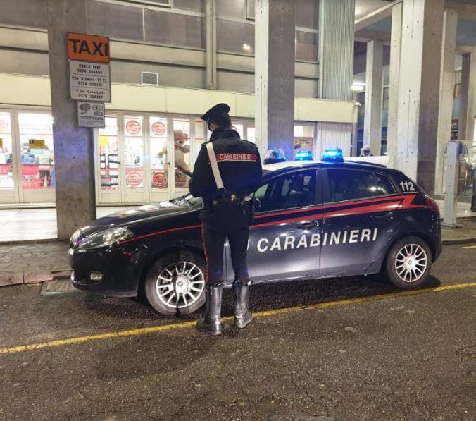 carabinieri piazza cavallotti.JPG