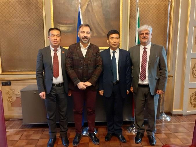 Meneghelli, il console cinese e Morselli (1)