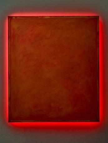 Più Rosso, 2011 cm 135X115X9 tecnica mista su tela, neon