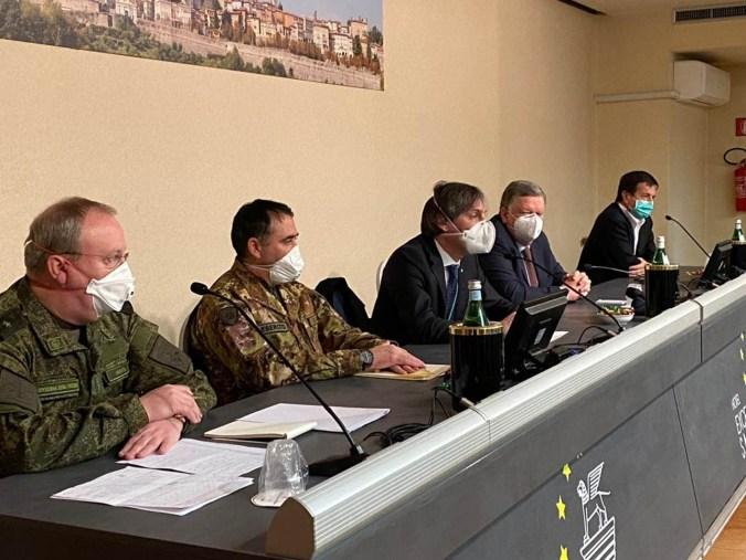 medici, infermieri e addetti alla sanificazione russi a bergamo 3