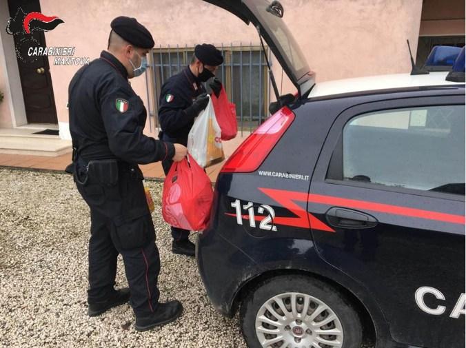 carabinieri acquanegra consegnano spesa