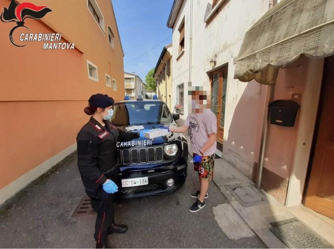 carabinieri consegnano tablet2