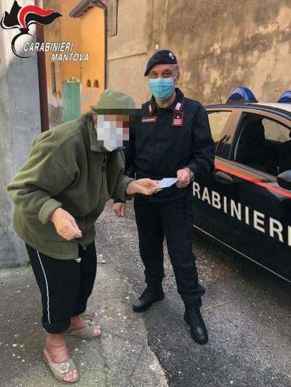 carabinieri pagano bollette anziani.jpg