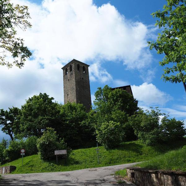 Castello-Sarzano-Castelli-Ducato-Emilia-Romagna-Italia-600