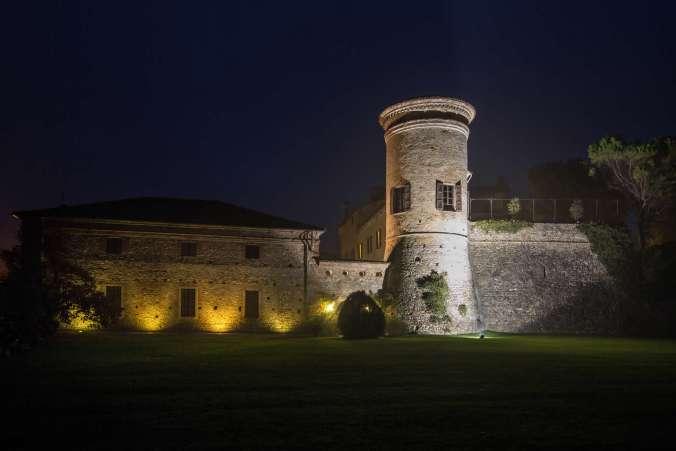 Castello Scipione_FacciataNotturnaGiardino2