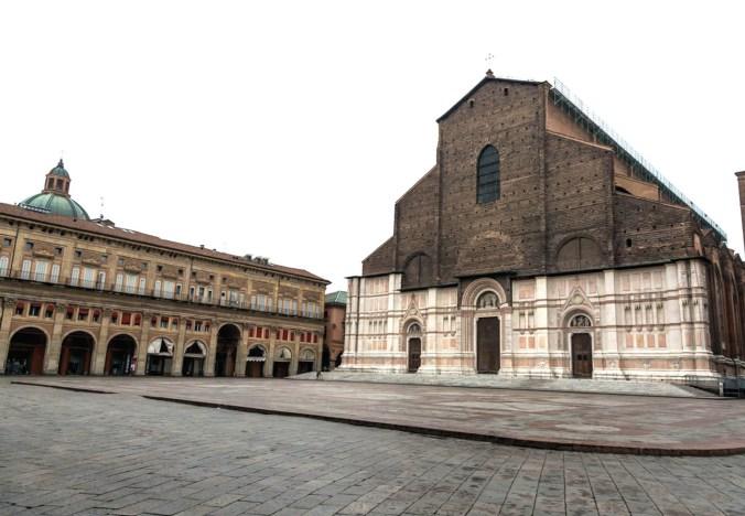 Coronavirus, a Bologna campane in ricordo delle vittime