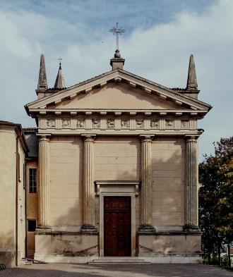 chiesa di Rivalta sul Mincio.jpg