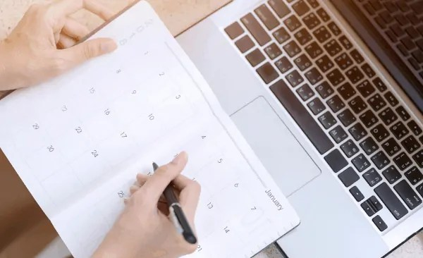 3 Scheduling Mistakes That Are Destroying Your Productivity (And how to fix them!)
