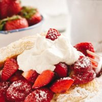 Make A Healthier Strawberry Shortcake With These Low-Carb Biscuits