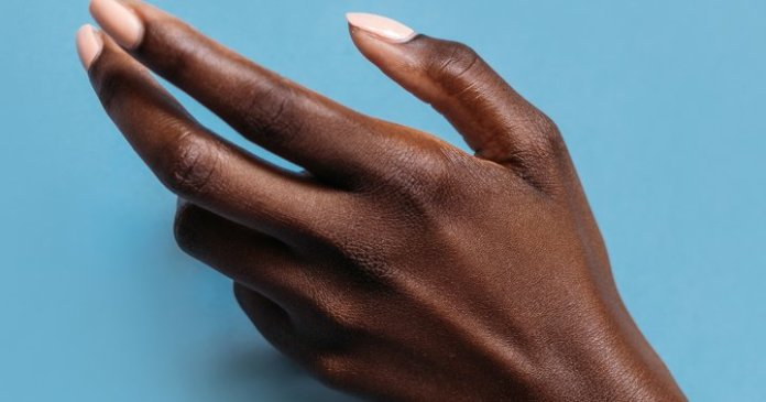How To Fix A Broken Nail (Without Clipping It Off!): 3 Tips, From Experts