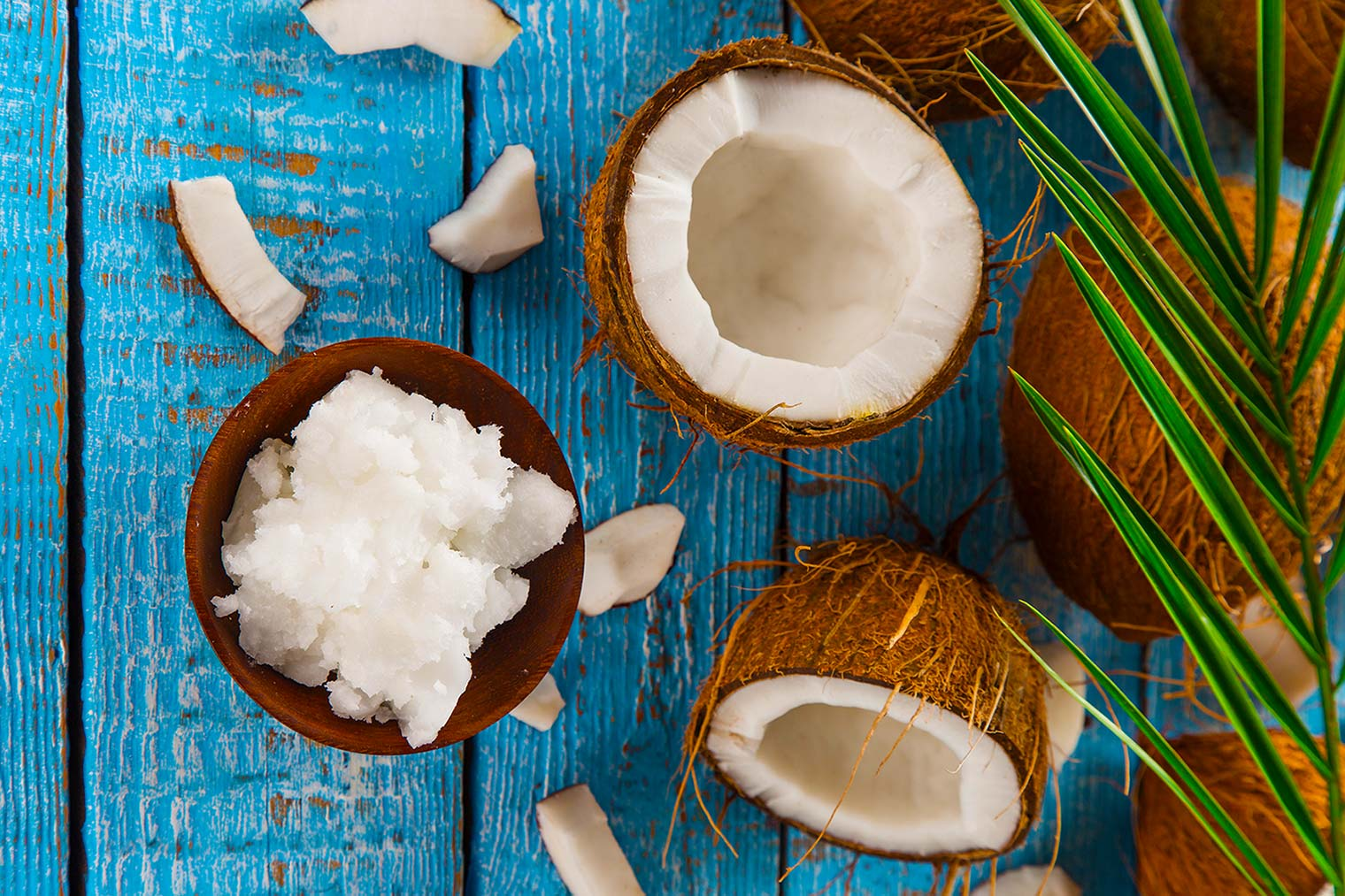 How To Get Beautiful White Teeth Using Coconut Oil With the Oil Pulling Method