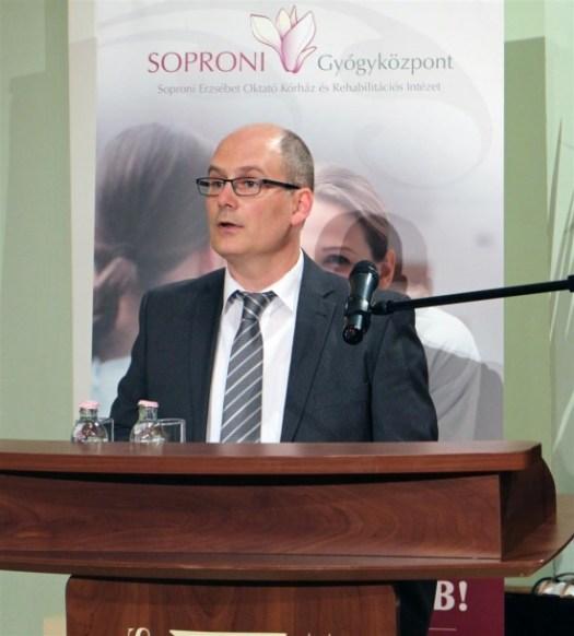 Dr. Peitl Szilárd mb. osztályvezető főorvos (Szülészet-Nőgyógyászati Osztály)