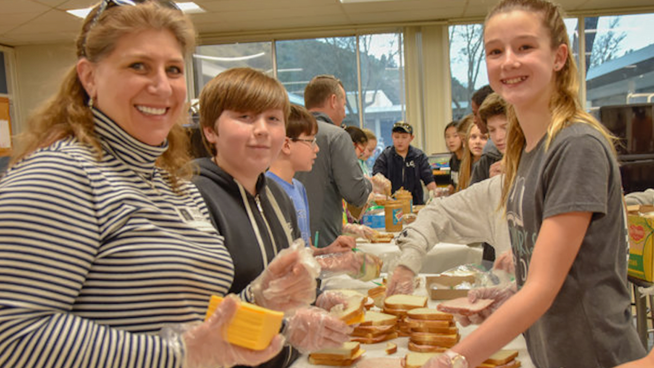 Mindful Bigs Inspiring Littles Spotlight: Middle Schoolers Making Lunches for the Homeless