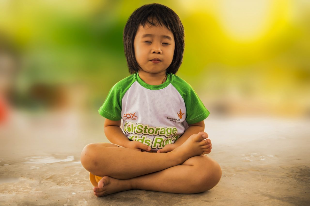 Mindful Parenting Round-up: Summer Yoga Practice