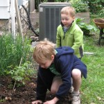 getting in the garden via mindfulmomma.com