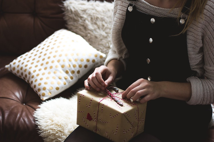 A Complete Guide to Mindful Gift Giving This Year