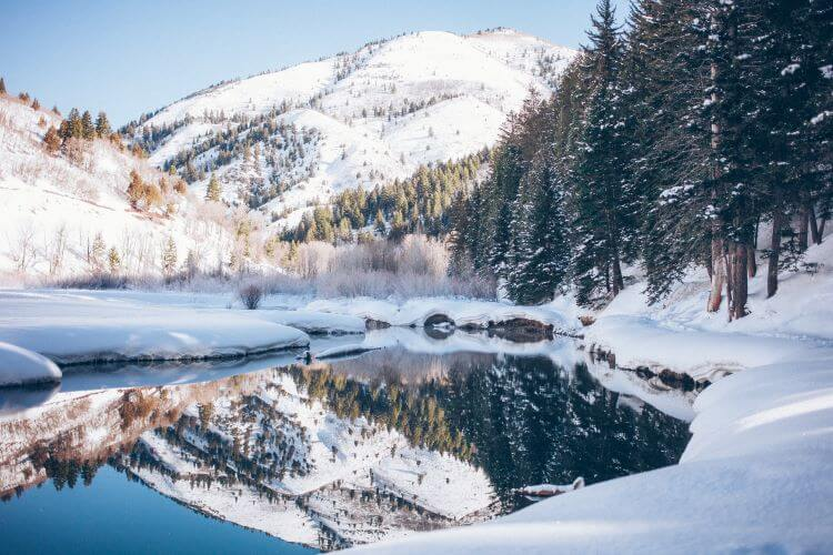 How to Explore the Gifts of Winter with Mindfulness