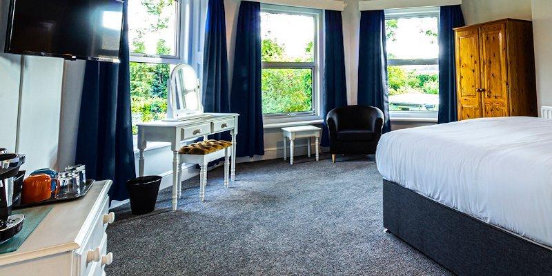 Wight bedroom suite