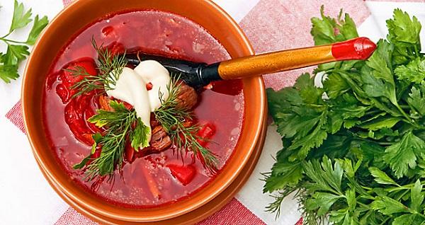 Ricette dalla Russia Borsch zuppa di barbabietole