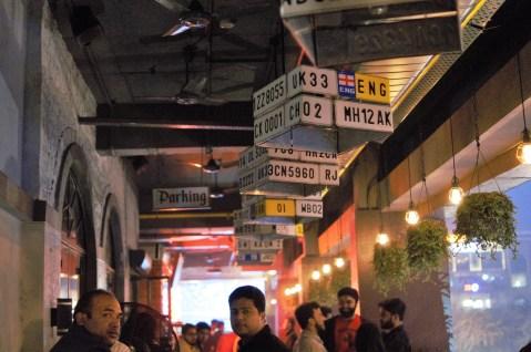 prankster-bar-sector-29-gurgaon-mindwagons-parking