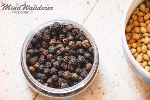 Black Peppercorns (Gol Mirch)