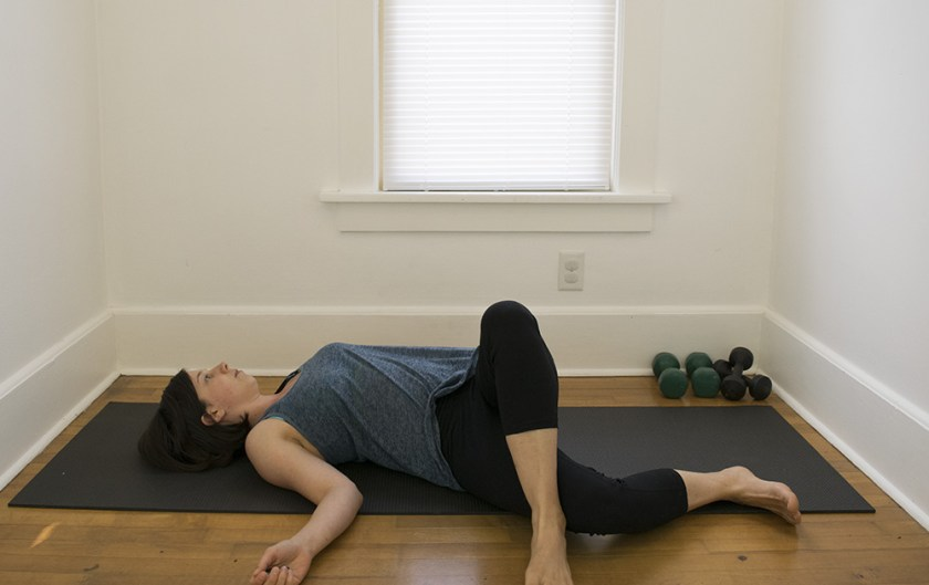 twisting hip stretch