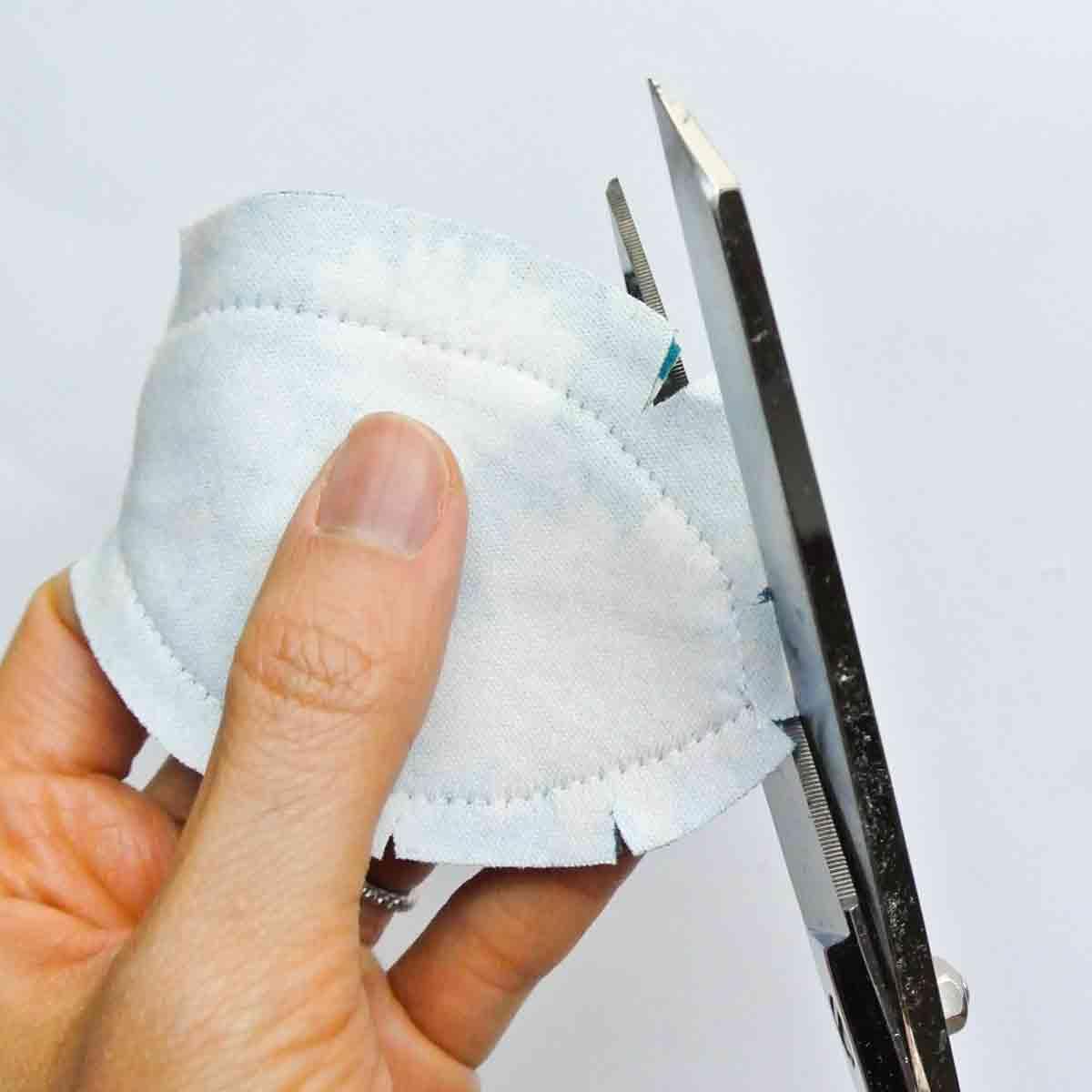 Triming seam allowance of bow tie for DIY headband