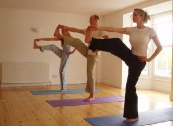 How can you practice Ashtanga yoga at home? 5