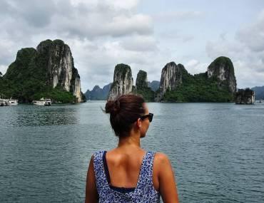 Sara in der Halong Bay