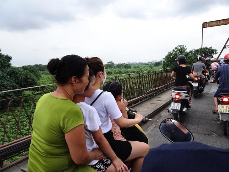Verkehr auf Brücke