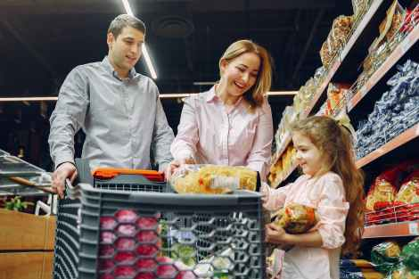 family doing grocery shopping