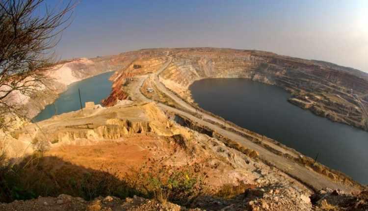 landslide-at-glencore-katanga-mine-in-drc-leaves-7-missing1