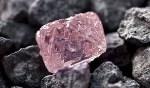 Descubren en Rusia gigante diamante rosado que costaría millones