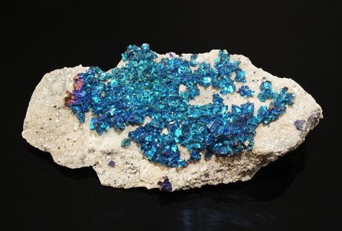 Calcopirita azul iridiscente
