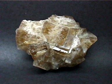 Racimo de cubos grandes de fluorita