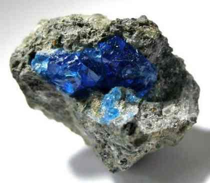 Azul profundo hauyne