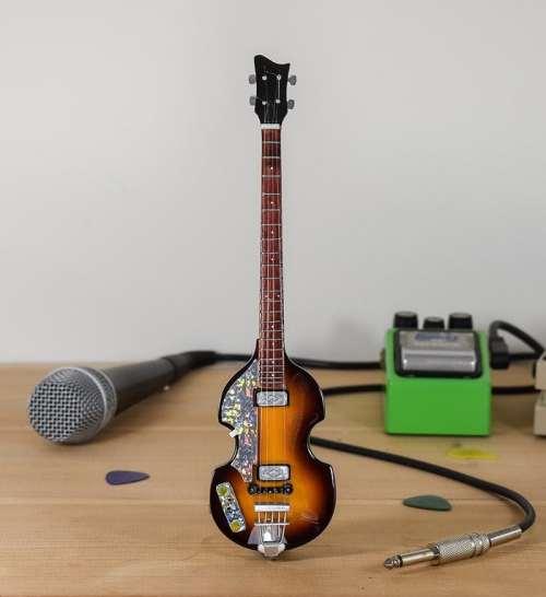 Paul McCartney - Hofner Bass