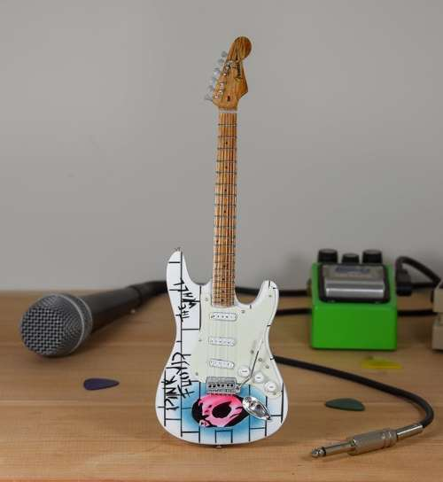 Pink Floyd, The Wall - Fender Stratocaster