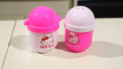 hello kitty salt and pepper