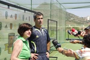 Horacio Elizondo (árbitro), Begoña Martínez (intérprete). Foto: Fernando Villar Sellés