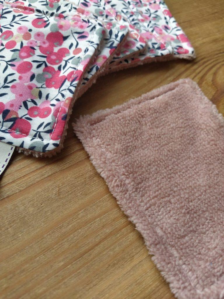 Lot-lingettes- demaquillantes-cerisier-rose-coton-eponge-bambou