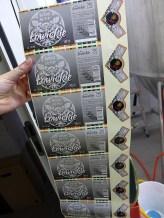 Napełnianie, kapslowanie, etykietowanie - wszystko ręczna robota